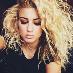 Would LOVE to meet this girl and jam with her - such a talented singer/songwriter