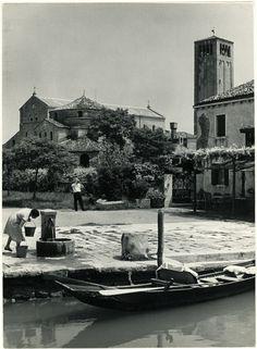 Georges Viollon (1915-1978)  Tampon au dos et légende  Baslique Torcello  Venise Italie  Tirage argentique original d'époque  18 x 24 cm  Vers 1950