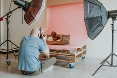 Get a behind the scenes look at a Mutley's Snaps studio pet photography session . - Get a behind the scenes look at a Mutley's Snaps studio pet photography session showing how we ca - Photography Studio Spaces, Photography Lighting Setup, Photography Backdrops, Light Photography, Animal Photography, Newborn Photography, Street Photography, Photography Ideas, Iphone Photography