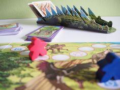krokodyli stojak na karty