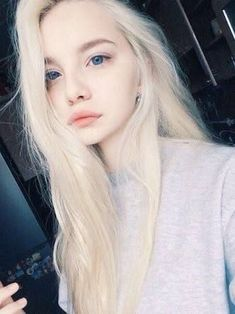 Image about girl in chicas rubias by Melulu on We Heart It Blonde Hair Blue Eyes, Blonde Dye, Pale Skin, Grunge Hair, Girl Face, Ulzzang Girl, Aesthetic Girl, Pretty Face, Pretty People