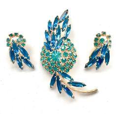 Rhinestone Earrings, Vintage Rhinestone, Vintage Earrings, Clip On Earrings, Vintage Jewelry, Irish Jewelry, Fairy Jewelry, Heart Jewelry, Beautiful Necklaces