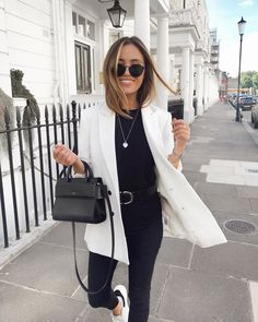 Happy weekend my loves 🖤 I've been loving these KAPTEN & SON sunnies this past week! Obsessed with the matte black frames 🙌🏼 AD Source by marryycatherine Outfits weekend Urban Outfitters Outfit, Looks Chic, Looks Style, Look Fashion, Autumn Fashion, Curvy Fashion, Fashion Women, Elegantes Outfit Frau, Mode Outfits