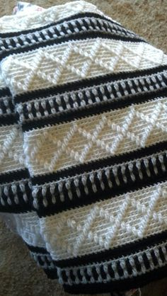 Black, Light Grey, & White for My brother Bud Crochet Afgans, Crochet Blankets, Crochet Crafts, Crochet Yarn, Crochet Projects, Crochet Stitches Patterns, Afghan Crochet Patterns, Crochet Squares, Crochet Designs