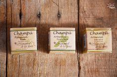 Shampoo en barra de la marca Manantial de las Flores, disponible en nuestra tienda física. Chiapas #54, col. Roma