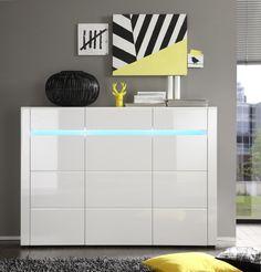 Dieses Sideboard bringt nicht nur Glanz in Ihren Wohnraum, es sorgt auch für zusätzlichen Stauraum. Ein ganz besonderer Hingucker ist die indirekte Farbwechsel-Beleuchtung. Sideboard weiss hochglanz 93-00554