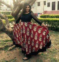 the skirt pattern 👍 Kalamkari Designs, Churidar Designs, Indian Dresses, Indian Outfits, Anarkali Dress, Anarkali Tops, Kalamkari Dresses, Dress Sewing Patterns, Indian Designer Wear