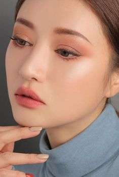 Korean Natural Makeup, Korean Makeup Look, Korean Makeup Tips, Asian Eye Makeup, Korean Makeup Tutorials, Simple Eye Makeup, Korean Make Up Natural, Korean Wedding Makeup, Asian Bridal Makeup