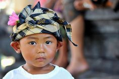 Balinese people by Michel Croix