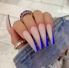In seek out some nail designs and ideas for your nails? Here is our set of must-try coffin acrylic nails for fashionable women. Summer Acrylic Nails, Best Acrylic Nails, Colored Acrylic Nails, Acrylic Nail Designs Glitter, Summer Stiletto Nails, French Tip Acrylic Nails, Classy Acrylic Nails, Acrylic Shapes, Stiletto Nail Art