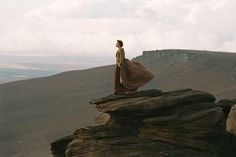 `Sometimes the last person on earth you want to be with is the one person you can´t be without´ Pride & Prejudice Keira Knightley & Matthew Macfadyen Keira Knightley, Color Composition, Pride & Prejudice Movie, Jane Austen Movies, Matthew Macfadyen, Photo P, Romance, Book Aesthetic, Filming Locations