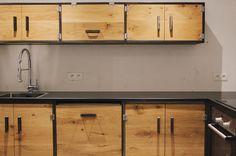 Worktops fit and this kitchen is looking fiiiiine! Modern Bathroom Decor, Home Decor Kitchen, Bathroom Interior, Kitchen Interior, Industrial Kitchen Design, Industrial Design Furniture, House Furniture Design, Home Room Design, Recycled Kitchen