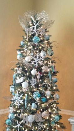 Teal Christmas Tree, Coastal Christmas, Christmas Ideas, Christmas Wreaths, Xmas, Mint Blue, Aqua, Turquoise, Cottage Farmhouse