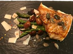 #olioflaminio #olio #flaminio #trevi #umbria #italy ingredienser: 1 torskeleoin 4 asparges Oliven Gresskarkjerner Parmesanost Flaminio naturel ...