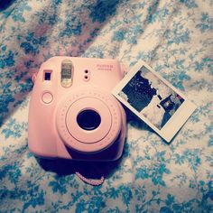 Fujifilm instax mini in pink