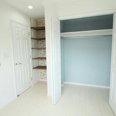 DECORA_kanaさんの、子供部屋男の子,可動棚,タイル壁紙,ホワイト,水色,入居前,クローゼット,ナチュラル,ベッド周り,のお部屋写真