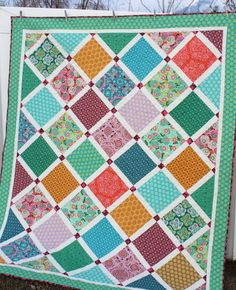 New Lattice Quilt with Dream Weaver by Amy Butler - Diary of a Quilter - a quilt blog
