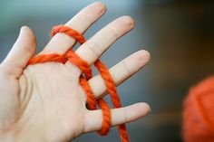 flax & twine: Finger Knitting How-to