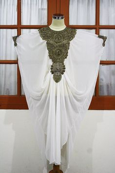 Gorgeous Super white moroccan kaftan Dubai style gold embroidery abaya maxi dress hijab jalabiya