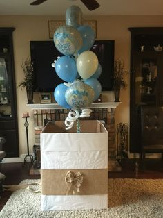 Gender reveal box with balloons by charity hill @ ltaballoon.com Twin Gender Reveal, Baby Gender Reveal Party, Pregnancy Announcement To Parents, Balloon Box, Gender Reveal Decorations, Baby On The Way, Reveal Parties, Baby Shower Themes, Garlands