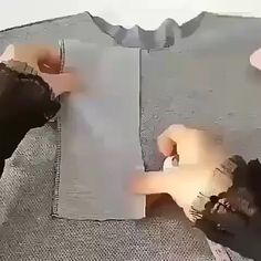 Corte e costura ( Sewing Machine Basics, Sewing Basics, Sewing For Beginners, Sewing Hacks, Sewing Tutorials, Sewing Crafts, Tunic Sewing Patterns, Sewing Stitches, Costura Fashion