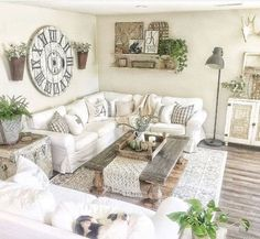 Farmhouse Living Room: 25 Chic Inspirations You'll Love. farmhouse living room There is no doubt that farmhouse style is one of the most popular options when it comes to home decorating. It's a decor which looks stylish and feels so cozy. Open Kitchen And Living Room, Home Living Room, Living Room Designs, Farmhouse Living Rooms, Shabby Chic Living Room, Living Room Wall Decor, French Country Living Room, Living Room Decorations, Living Room With Sectional