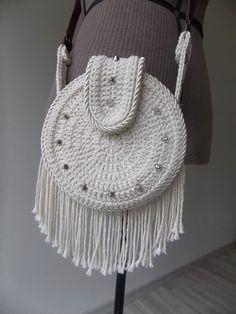 Marvelous Crochet A Shell Stitch Purse Bag Ideas. Wonderful Crochet A Shell Stitch Purse Bag Ideas. Bag Crochet, Crochet Purse Patterns, Crochet Shell Stitch, Crochet Clutch, Crochet Wool, Crochet Handbags, Tapestry Crochet, Crochet Purses, Crochet Stitches