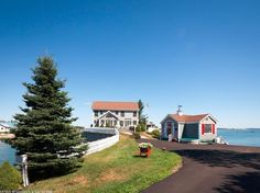 For Sale - 10 Elwell Pt, South Thomaston, ME - $949,000. View details, map and photos of this single family property with 3 bedrooms and 2 total baths. MLS# 1233831.