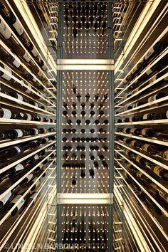 Wine storage - this is how you store wine properly- Weinlagerung – so lagern Sie Wein richtig Wine storage Infinity Wine Cellar - Caves, Home Wine Cellars, Wine Cellar Design, Wine Display, Wine Wall, Wine Collection, Wine Cabinets, Wine Storage, Cafe Bar