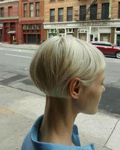 Billedresultat for nora vai hair – Har Klippning Hair Day, My Hair, Short Hair Cuts, Short Hair Styles, Pelo Vintage, Corte Y Color, Grunge Hair, Pixie Haircut, Short Hairstyles For Women