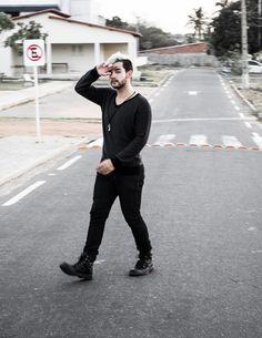 cabelo platinado masculino, bota preta  www.boyestilo.com  djanilton frança