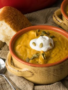 Creamy Pumpkin and Acorn Squash Soup. Creamy Pumpkin and Acorn Squash Soup Recipes This Creamy Pumpkin and Acorn Squash Soup is a thick and hearty family dinner that keeps everyone full and happy! Chef Recipes, Soup Recipes, Healthy Recipes, Dinner Recipes, Simple Recipes, Amazing Recipes, Dinner Ideas, Healthy Snacks, Recipies