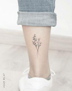 Small Daisy Tattoo, Tiny Flower Tattoos, Dainty Tattoos, Small Tattoos, Back Of Ankle Tattoo, Ankle Tattoos For Women, Flower Tattoo On Ankle, Simple Ankle Tattoos, Unique Wrist Tattoos