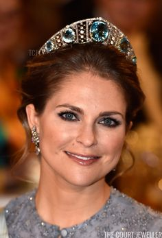Royal Tiaras: Princess Madeleine of Sweden wears the Swedish Aquamarine Kokoshnik Royal Crowns, Royal Tiaras, Tiaras And Crowns, Princess Victoria Of Sweden, Crown Princess Victoria, Princess Kate, Princesa Real, Swedish Royalty, Magdalena