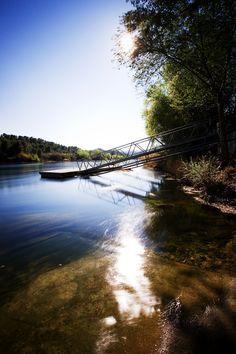 Riu Ebre al pas per Miravet (Catalonia)