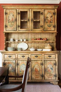 Touring Barbara Black's Chevy Chase Home - Bethesda Magazine - July-August 2016 - Bethesda, MD renovation Painting Art Furniture, Decoupage Furniture, Hand Painted Furniture, Furniture Styles, Upcycled Furniture, Furniture Makeover, Vintage Furniture, Muebles Shabby Chic, Rooster Kitchen Decor