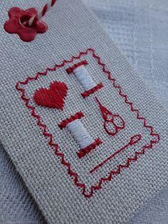 Steekjes & Kruisjes: Labels van stof ...... Embroidery fabric gift tag
