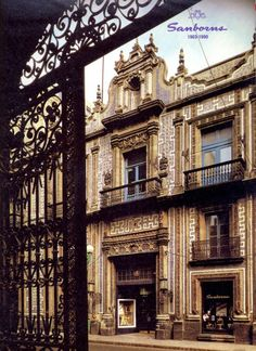 Novo espa a on pinterest mexico city mexico and historia for Casa de los azulejos en mexico