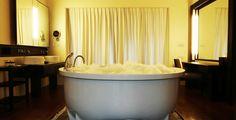 Bathing in Hotel Zitahli Kuda-Funafaru 5* in Maldivas