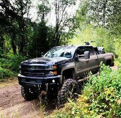 New Chevy Duramax Lifted Chevy Trucks, Gm Trucks, Jeep Truck, Chevrolet Trucks, Diesel Trucks, Cool Trucks, Pickup Trucks, Lowered Trucks, Offroader