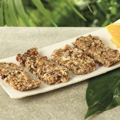 Homemade Breakfast Bars – This extremely simple homemade breakfast bar recipe calls for only three ingredients but tastes like heaven.