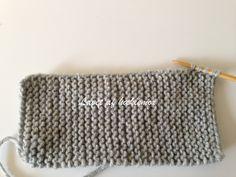 Hæklemors opskrift på retstrikkede babyfutter | Hæklemor Baby Leggings, Baby Knitting Patterns, Diy Baby, Rugs, Sewing, Tricot, Threading, Creative, Farmhouse Rugs