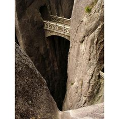Bridge to the Elven City - Or a bridge in Huangshan, China.I'm missing out on so much of the beautiful world Turandot Opera, Elven City, Places To See, Places To Travel, Beautiful World, Beautiful Places, Amazing Places, Jolie Photo, China Travel