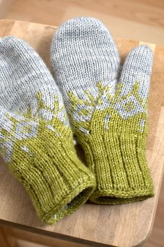 #knit #mittens #colorwork