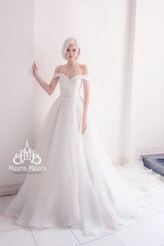 Ball Gown Sweetheart Neckline Off Shoulder Sleeveless Chapel Train Taffeta Simple Wedding Dress Zipper Closure At