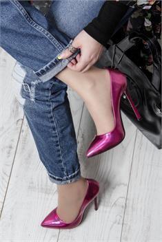13 cm topuk boyu ile vazgeçemeyeceğiniz şıklıkta ayakkabı modeli! Gecelerin yıldızı olun...