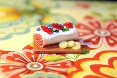 http://www.ebay.com/itm/Wild-Berries-Roll-Dollhouse-Miniature-Food-polymer-clay-/322310361676?ssPageName=STRK:MESE:IT #dollhouse #miniature #polymerclay #nyc #newyork #christmas #christmasgifts
