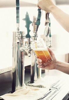 I like this idea for my future home bar. Loove iiit!