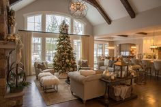 144 inspiring decoration ideas for holiday event page 25 Modern House Design Dream Home Design, My Dream Home, Room Additions, New House Plans, Christmas Home, Mickey Christmas, Christmas Living Rooms, Home Living Room, Living Area