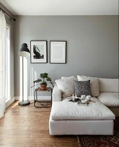 8 Dreamy and inspiring cozy living room ideas that celebrate the end of winter -… 8 Dreamy and inspiring cozy living room ideas that celebrate the end of winter – Daily Dream Decor Cozy Living Rooms, Living Room Carpet, Living Room Interior, Home Living Room, Apartment Living, Living Room Furniture, Living Room Designs, Living Room Decor, Minimal Living Rooms